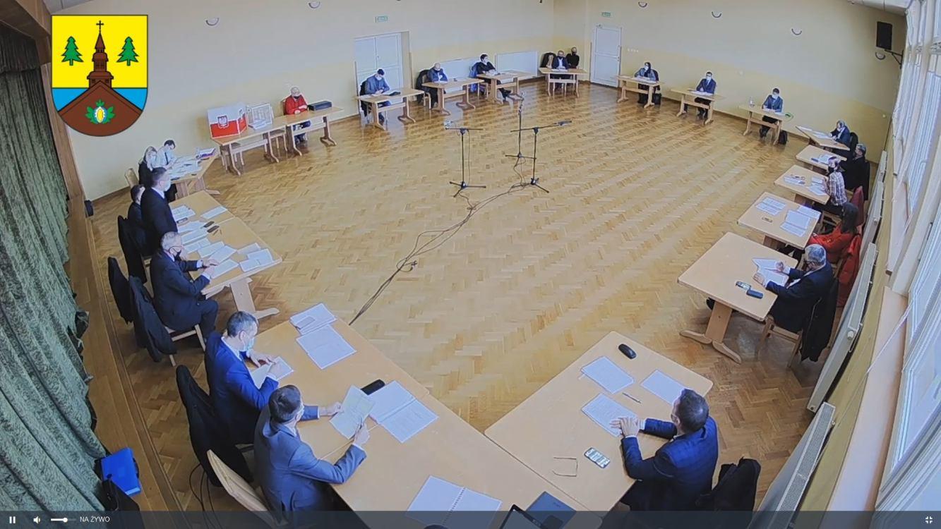 Nadzwyczajna sesja przyniosła wiele zmian w Radzie Gminy Karsin. 6 radnych odeszło z klubu, który dotąd miał większość