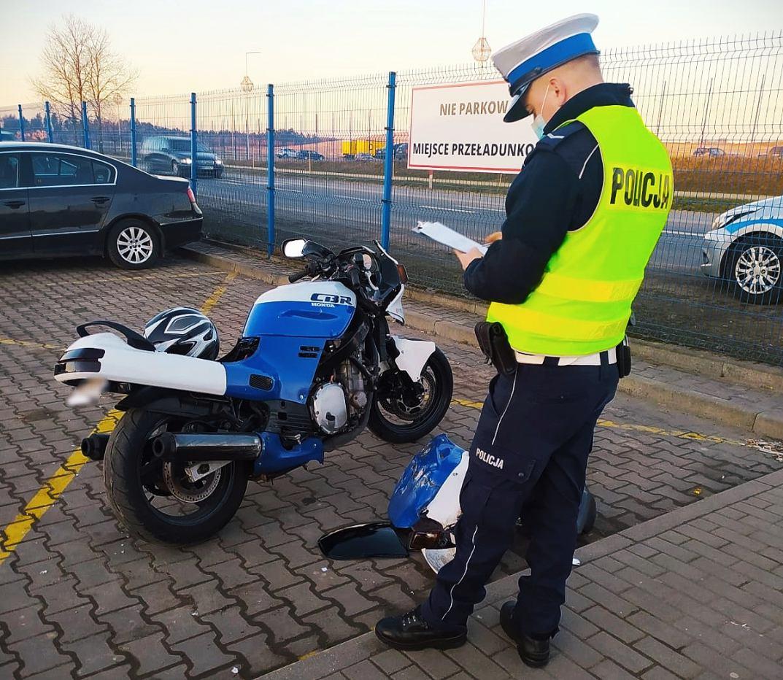 Bytowscy policjanci wyjaśniają okoliczności wypadku drogowego z udziałem motocyklisty