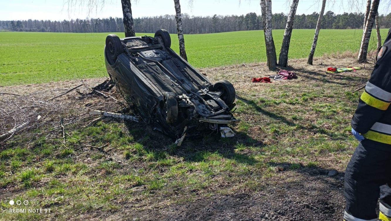 Wypadek na drodze krajowej 25. Na odcinku Stołczno-Gwieździn zderzyły się dwie osobówki