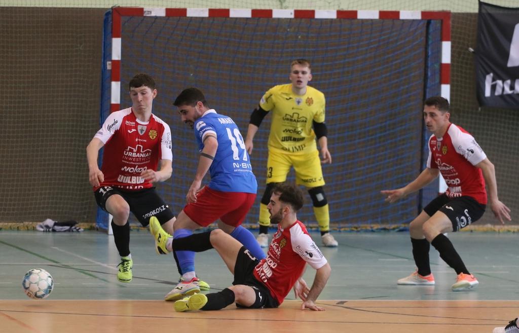 Całemu zespołowi chwała. O krok od niespodzianki w Chojnicach. Piast Gliwice pokonał Red Devils tylko jedną bramką FOTO