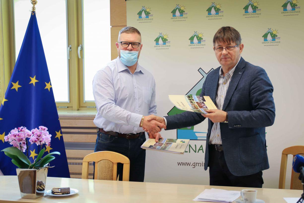 W gminie Chojnice rusza budowa dróg z płyt jomb. Podpisano już umowy z wykonawcami