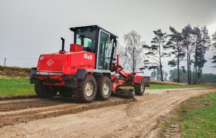 W gminie Brusy rozpoczęło się wielkie pozimowe równanie dróg gruntowych