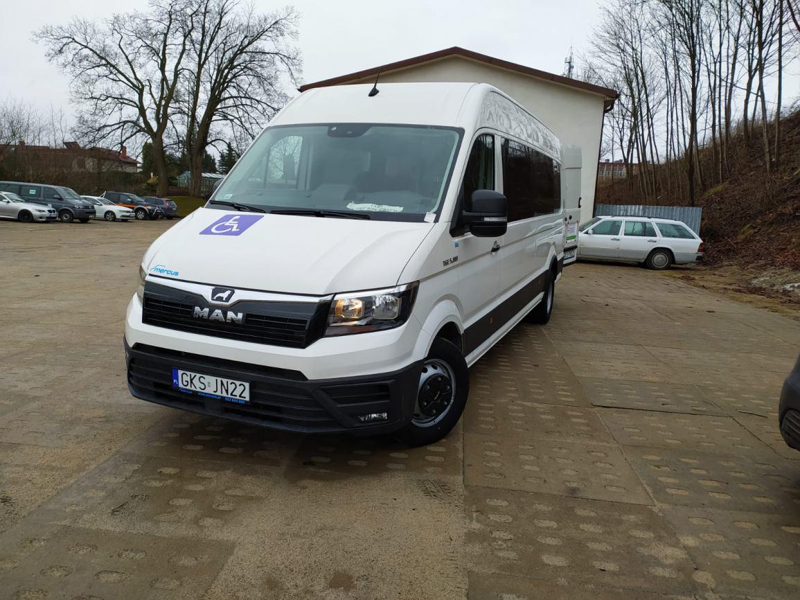 19-osobowy MAN przystosowany do przewozu osób niepełnosprawnych zasilił tabor pojazdów gminy Kościerzyna