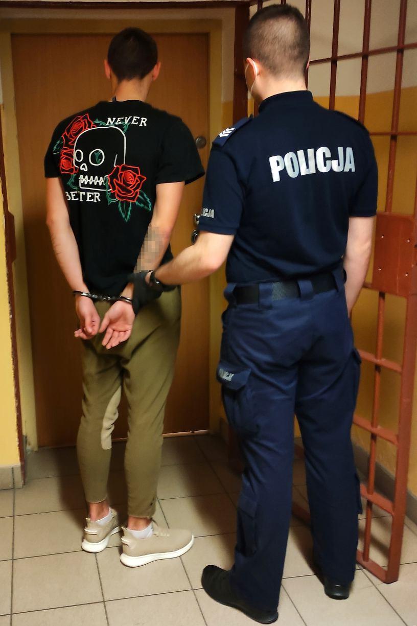 Bytów 23-latek nie miał maseczki. Okazało się, że jest poszukiwany celem odbycia kary
