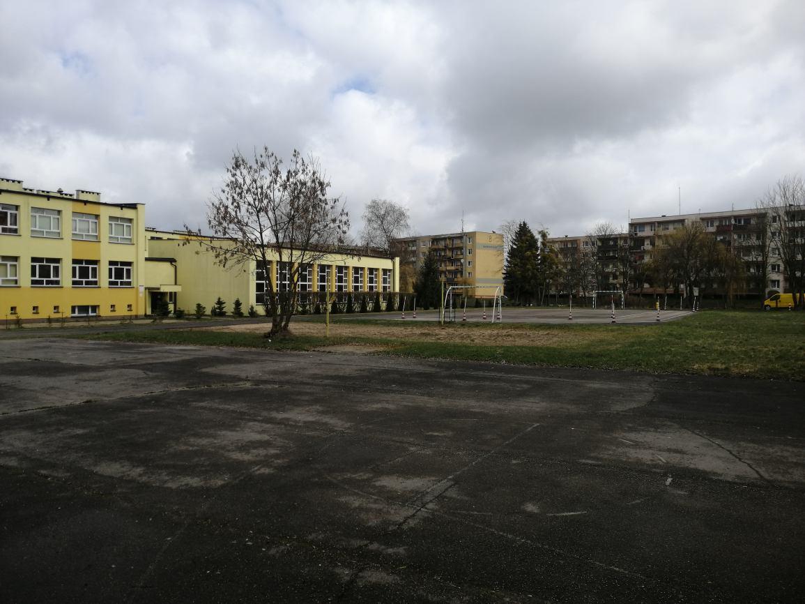 Starostwo w Sępólnie Krajeńskim otrzymało dofinansowanie na remont infrastruktury sportowej przy miejscowym LO