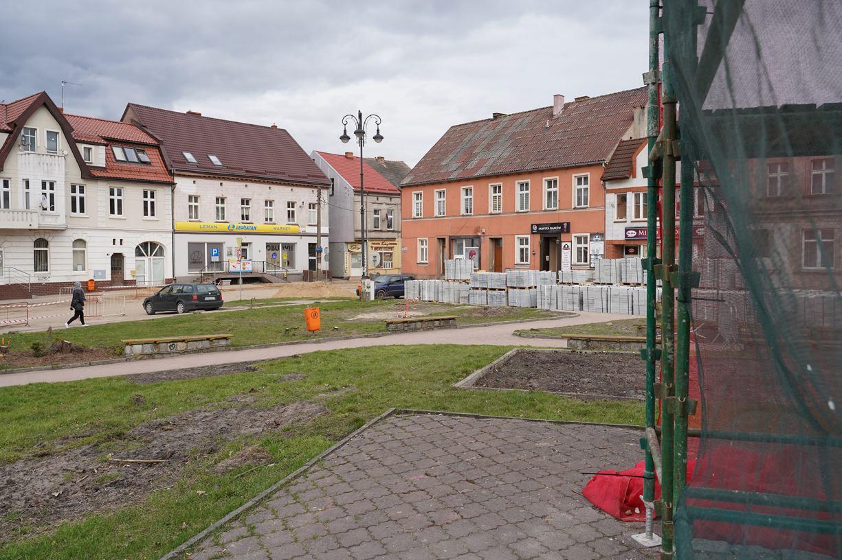W ścisłym centrum Sępólna rozpoczęły się prace związane z rewitalizacją miasta FOTO