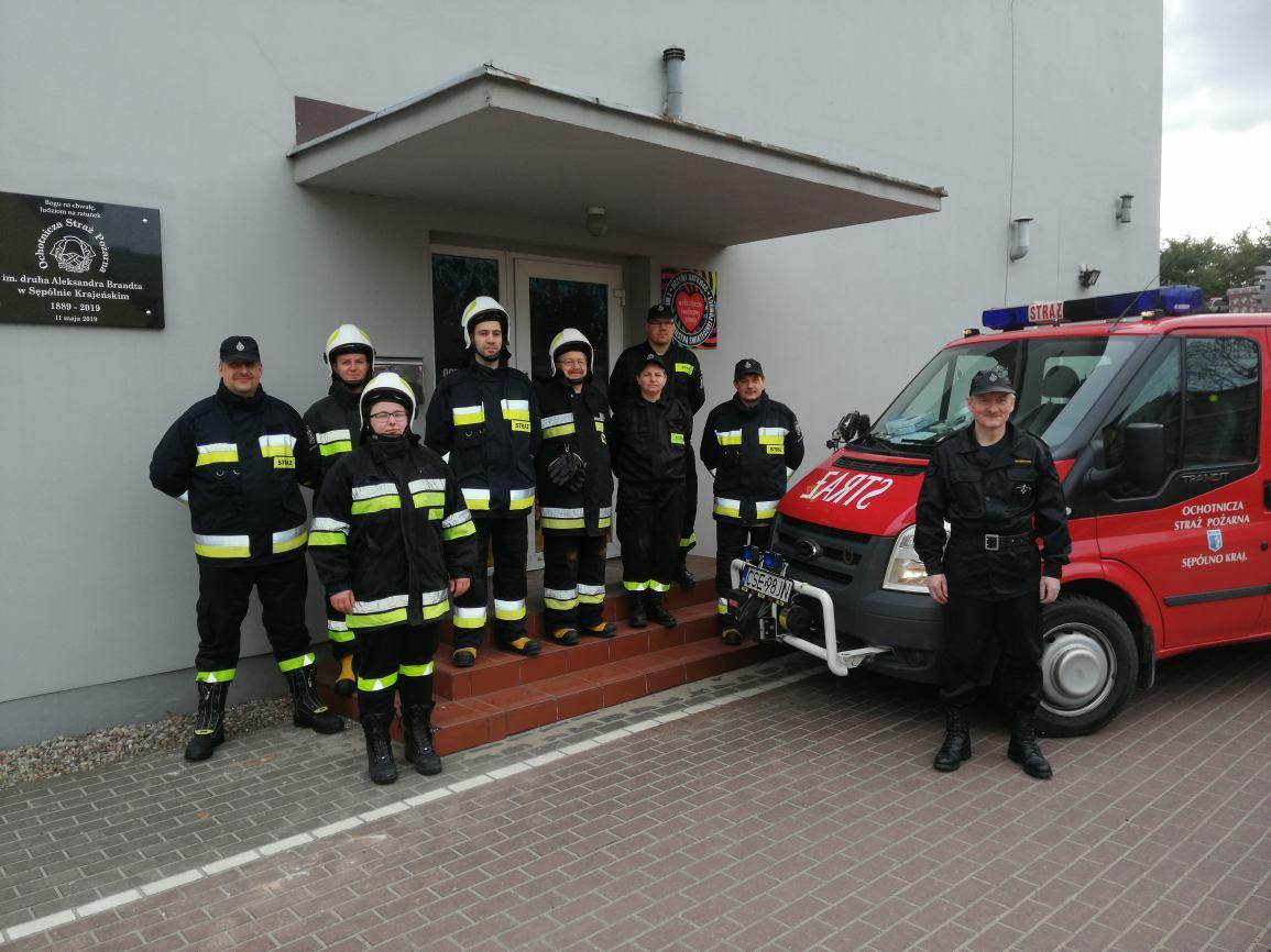 Strażacy z OSP Sępólno Krajeńskie zbierają środki finansowe na zakup urządzenia tnąco-gaśniczego do nowego wozu bojowego