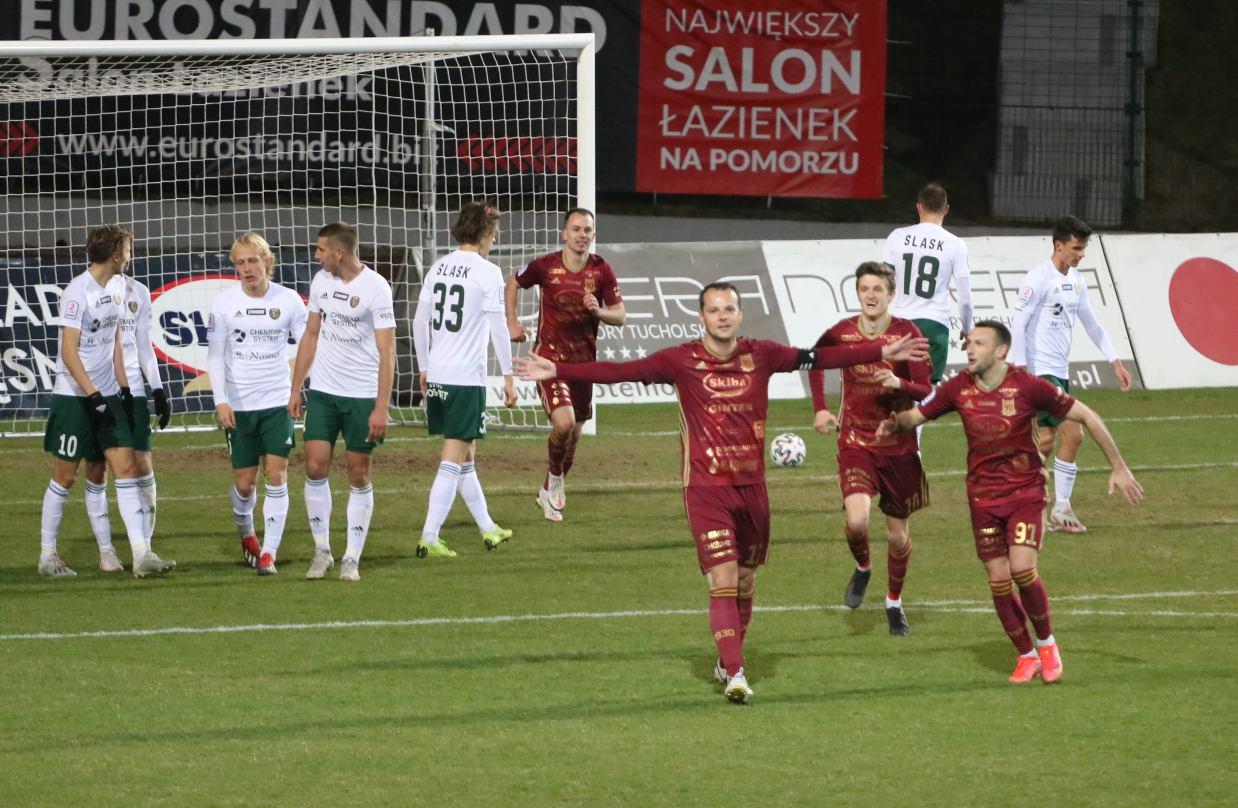 Pojedynek w Chojnicach dwóch drużyn walczących o awans do I ligi Wigry Suwałki przyjadą na mecz z Chojniczanką