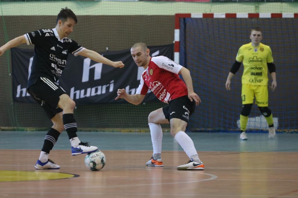 Red Devils Chojnice coraz bliżej strefy spadkowej Futsal Ekstraklasy. &bdquoCzerwone Diabły&rdquo przegrały 35 z Dremanem Komprachcice FOTO