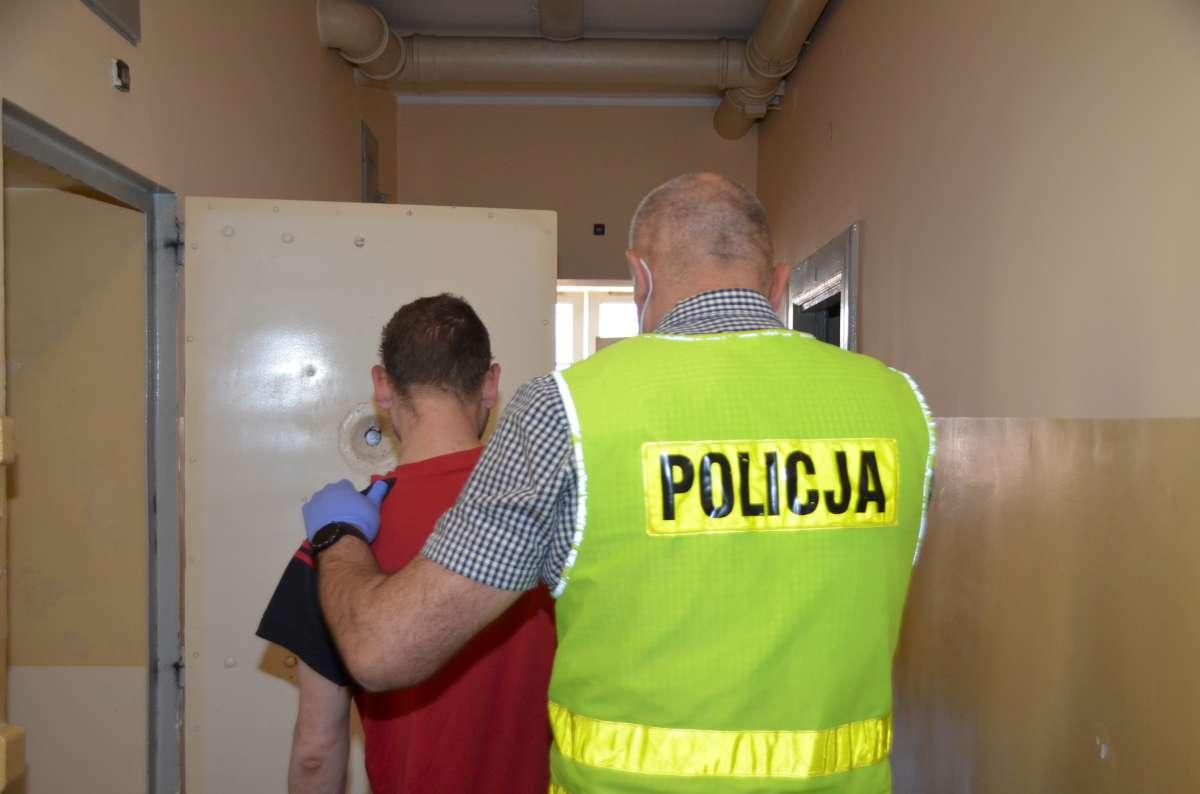 Do 5 lat więzienia za kradzież perfum grozi 33-latkowi z powiatu kościerskiego