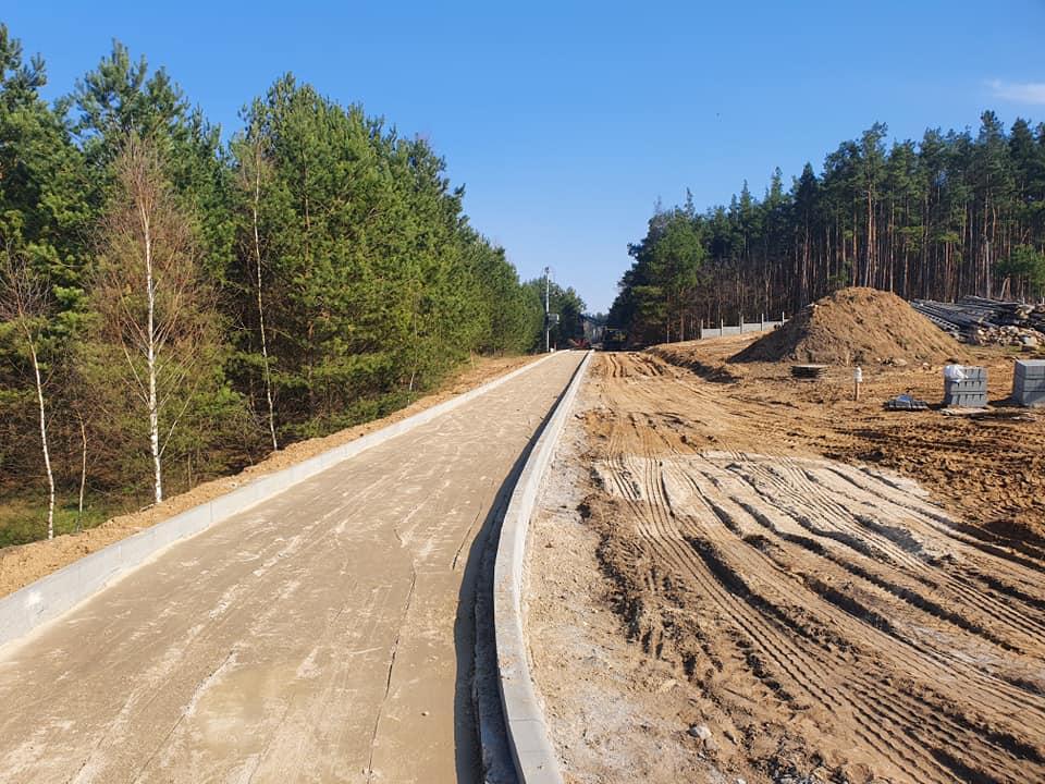 Trwa budowa ścieżek rowerowych w Kościerzynie. Prace idą pełną parą