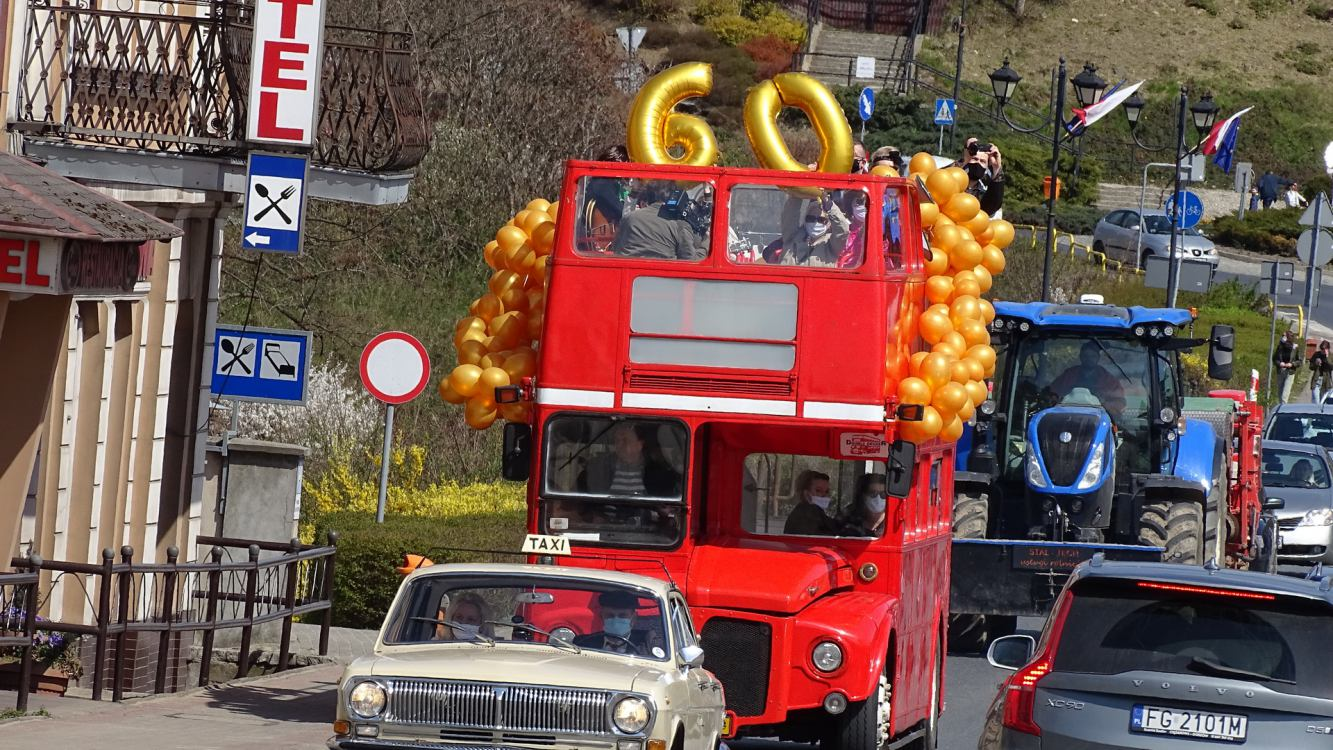 Londyński autobus na ulicach Sępólna Krajeńskiego FOTO
