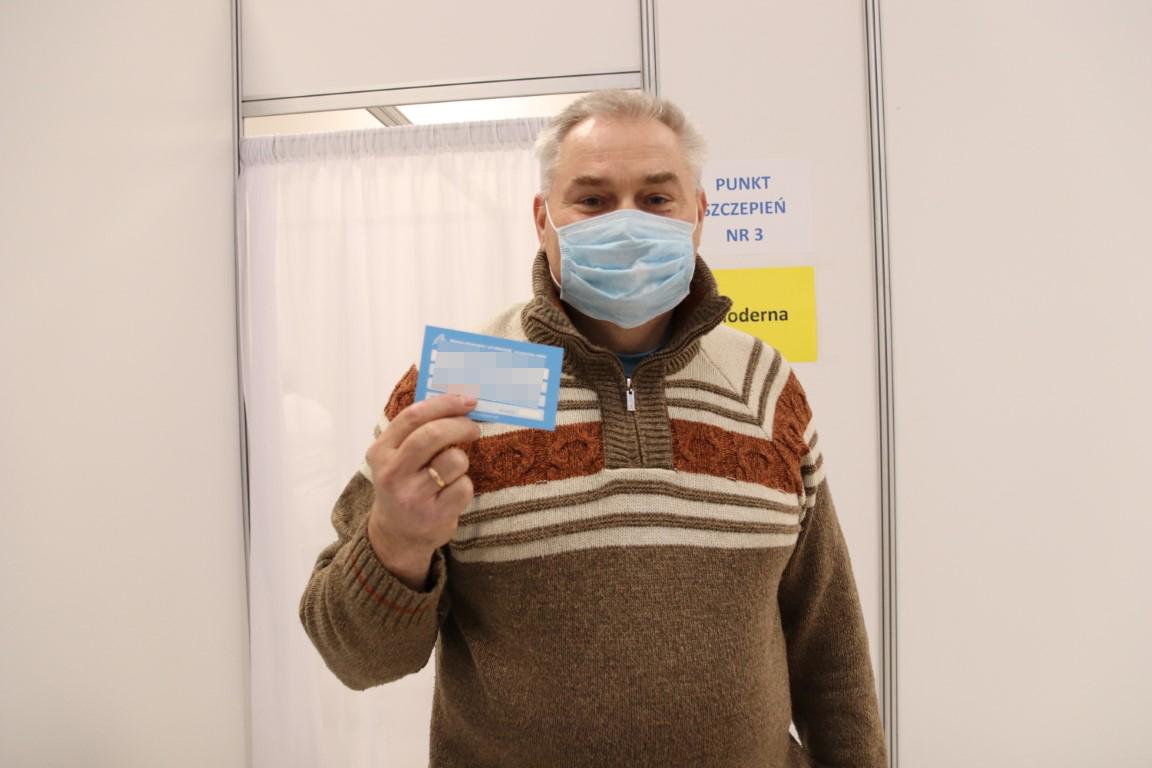 Ruszył punkt szczepień masowych w Chojnicach. Dotarła tylko połowa zadeklarowanej liczby szczepionek FOTO