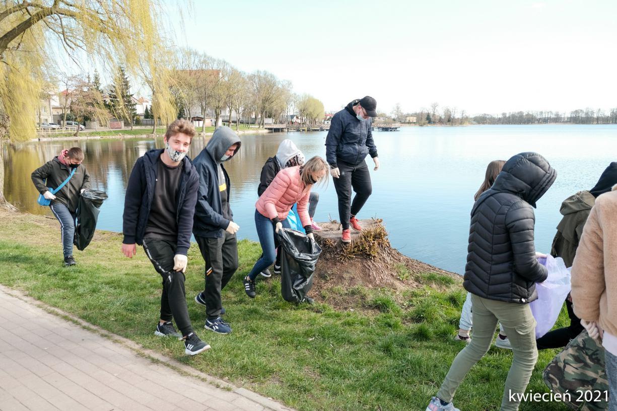 Władze Więcborka rozpoczynają walkę z wandalami i osobami zaśmiecającymi miasto ROZMOWA
