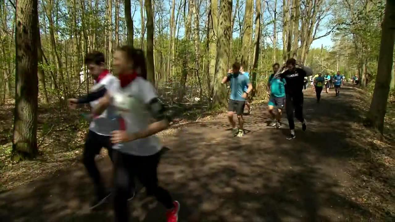 W lasach, na ulicach, stadionach, w egzoszkielecie i z piłką przy nodze. Biegacze z całej Polski włączyli się w akcję Wings for Life 2021