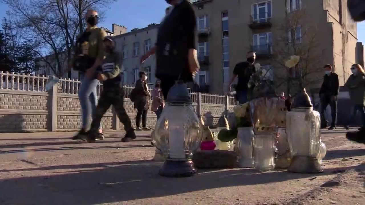 Marsz pamięci w Brzezinach po zasztyletowaniu p. Ryszarda przez złodzieja