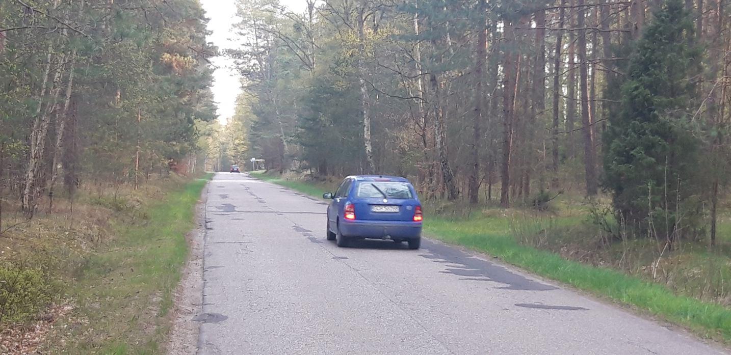 Czy droga z Charzyków do Małych Swornegaci w gminie Chojnice doczeka się w końcu remontu?