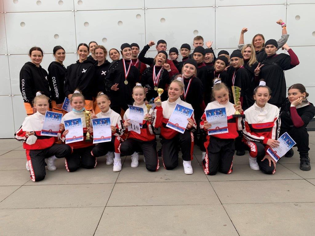 Zespół Tańca Nowoczesnego Rytm z Kościerzyny zdobył tytuł mistrza Polski i II wicemistrzostwo kraju FOTO