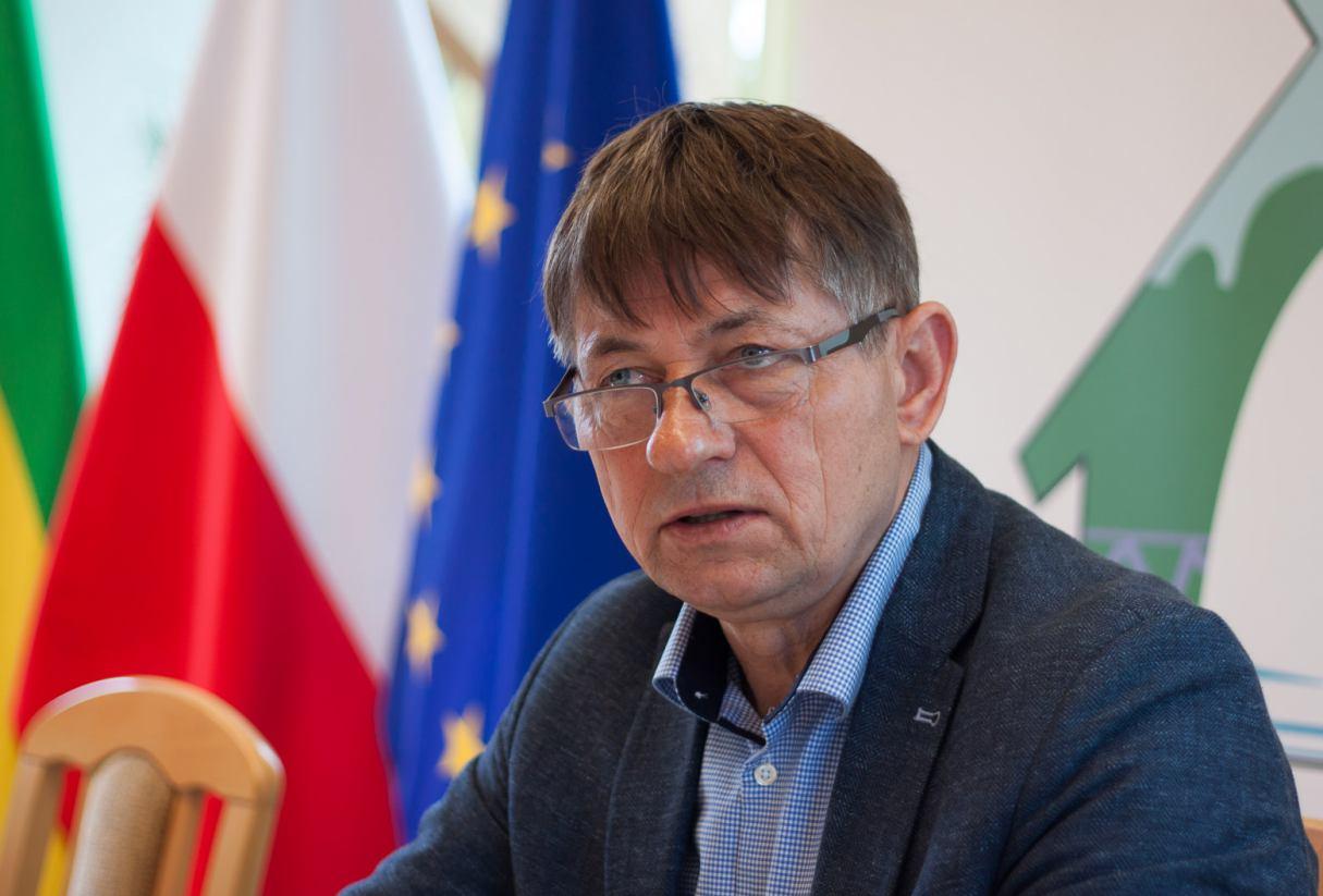 Wójt gminy Chojnice, po przerwie spowodowanej koronawirusem, zabiera swoich współpracowników na objazd gminy