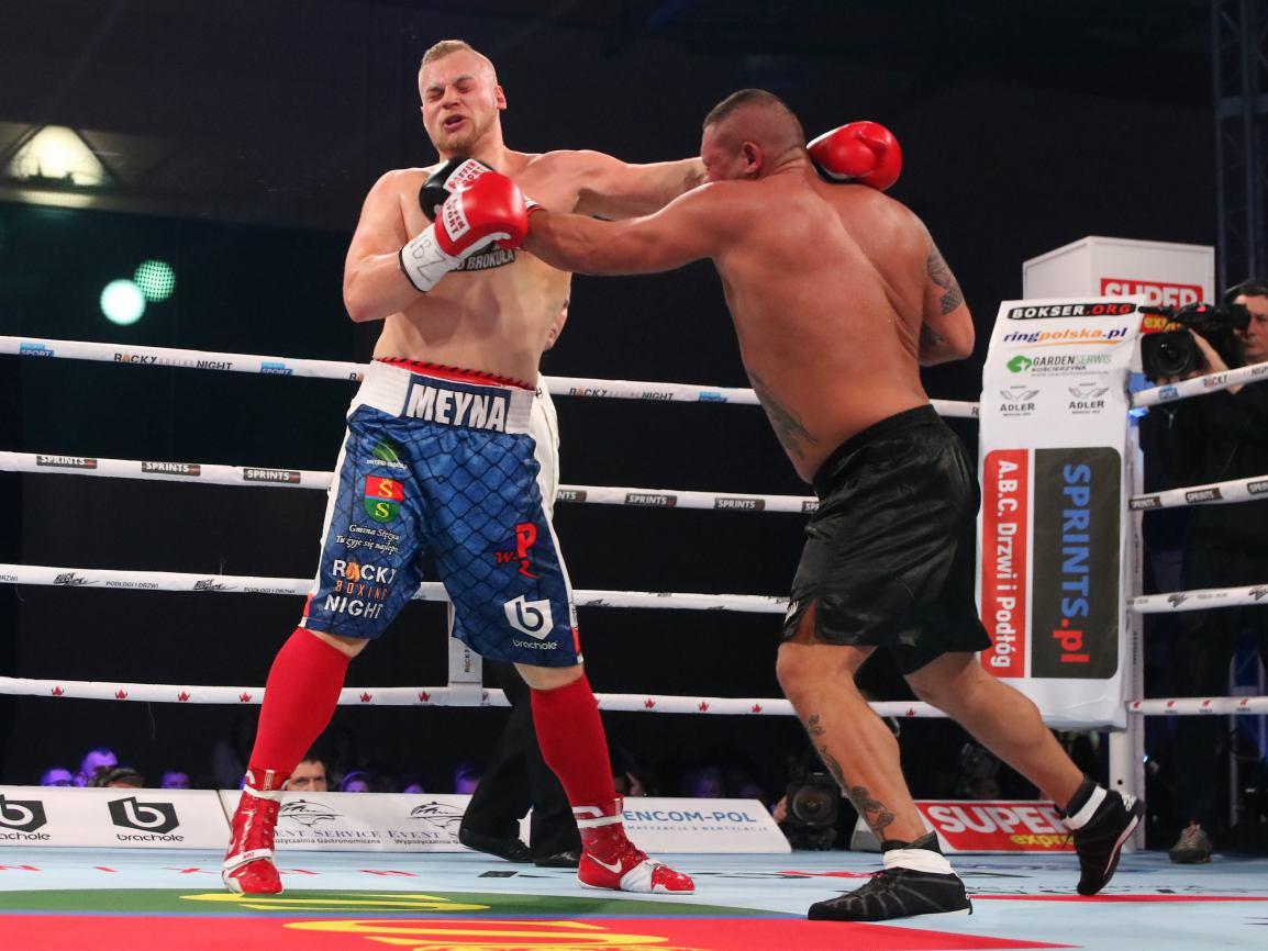 Kacper Meyna, pięściarz z Gołubia koło Kościerzyny przegrał na punkty finał Polskiego Turnieju Wagi Ciężkiej