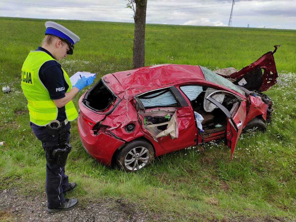 Wypadek podczas wyprzedzania na drodze krajowej nr 20 w miejscowości Wygoda