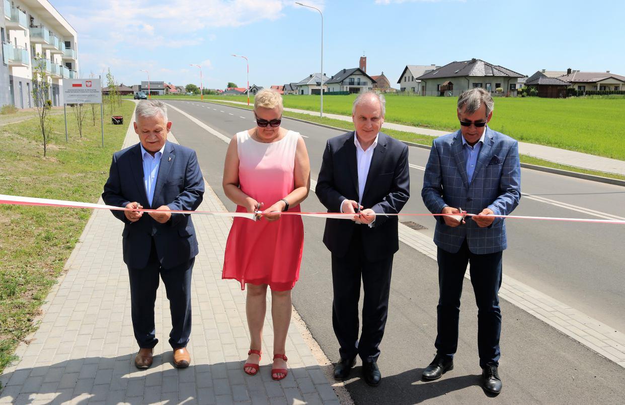 Uroczyste otwarcie ulicy Winogronowej i Czereśniowej w Chojnicach