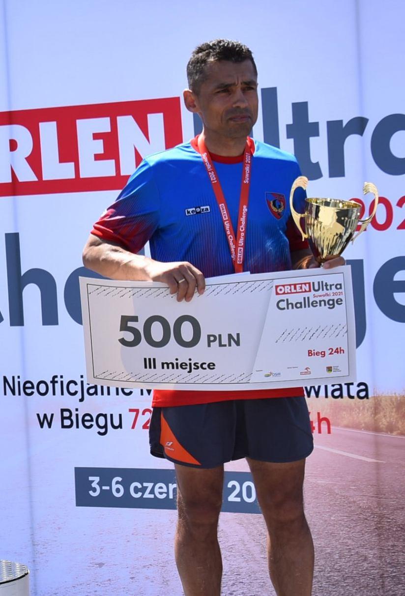 Czwarte miejsce Krzysztofa Brączyka z Więcborka w nieoficjalnych Mistrzostwach Świata w biegu 72-godzinnym