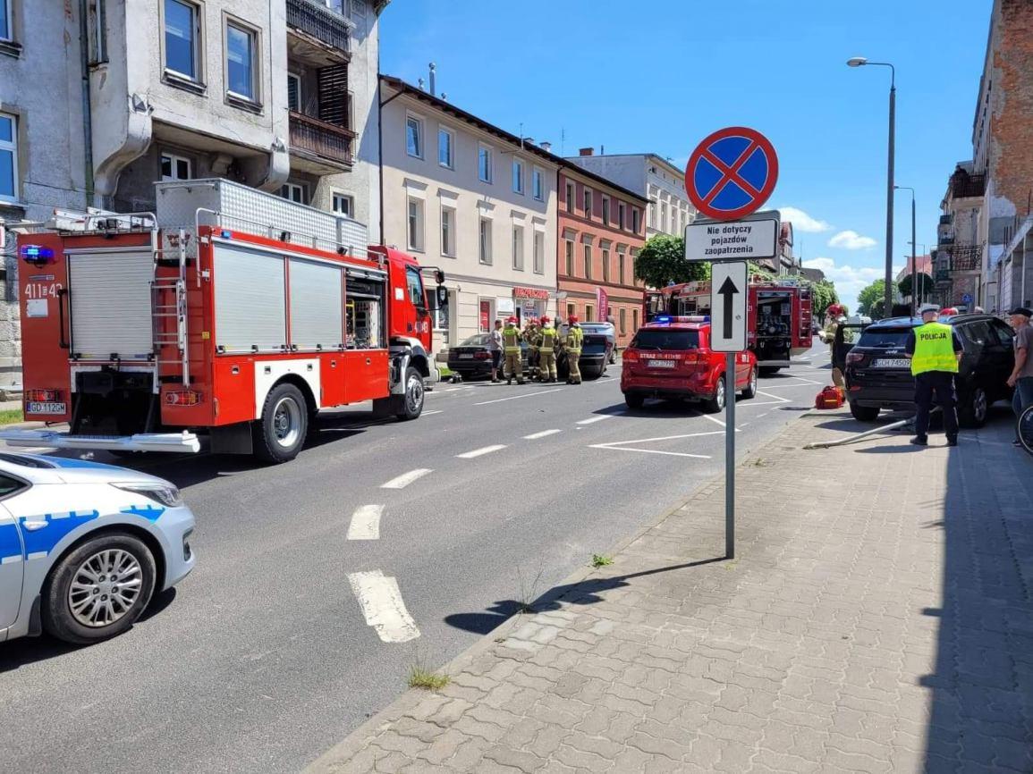 Zderzenie dwóch aut w pobliżu skrzyżowania ulic Piłsudskiego i Mestwina