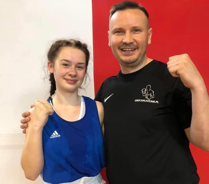 Klaudia Bruska z Boxing Team Chojnice zapewniła sobie medal Ogólnopolskiej Olimpiady Młodzieży