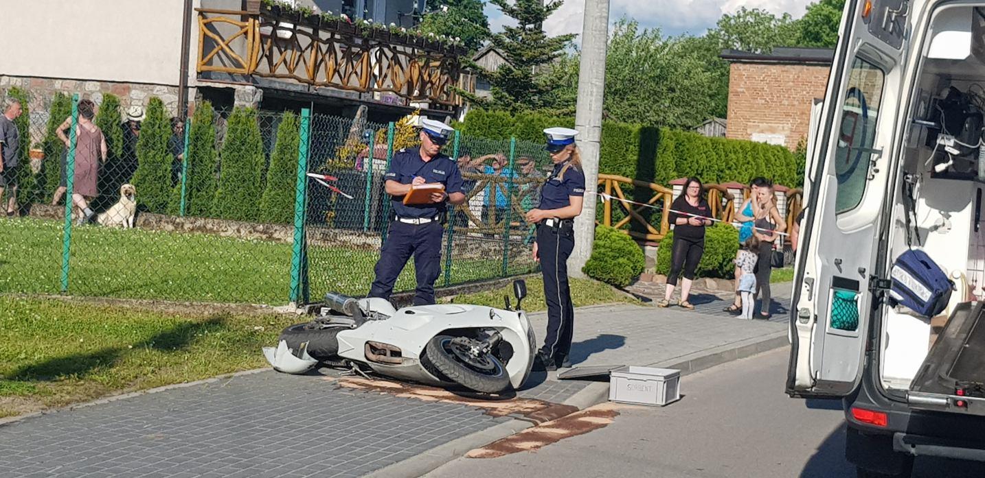 Poważny wypadek w Łęgu. Po rannego motocyklistę przyleciał śmigłowiec