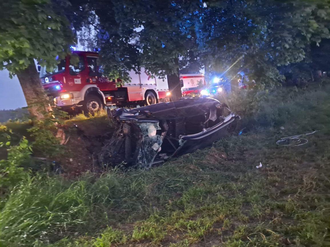 Trzy osoby ranne w wypadku na trasie Stary Barkoczyn - Sobącz FOTO