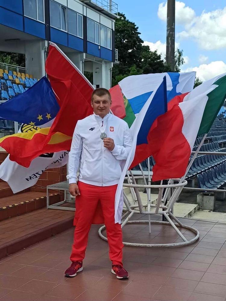 Sukces podopiecznego UKS Olimpijczyk Skorzewo. Łukasz Walczak  ze srebrnym medalem Mistrzostw Świata VIRTUS w lekkiej atletyce