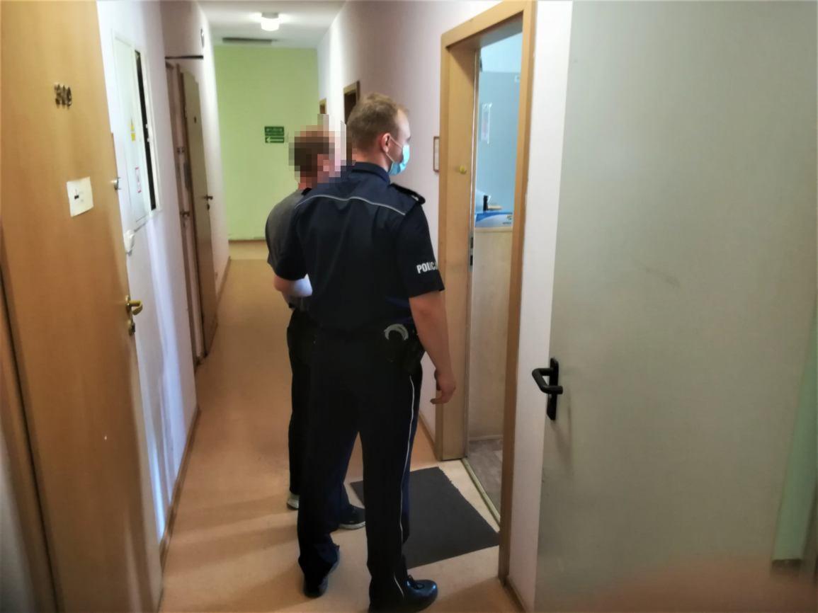 Dwaj bracia z powiatu kościerskiego odpowiedzą za serie kradzieży z włamaniem do mieszkań