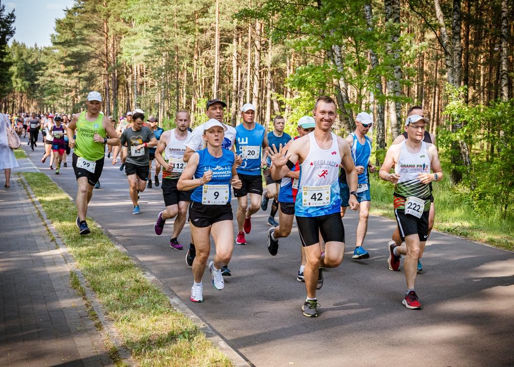 Ponad 250 zawodników ukończyło Okonińską Pętlę. To pierwszy bieg z cyklu Grand Prix Borów Tucholskich FOTO