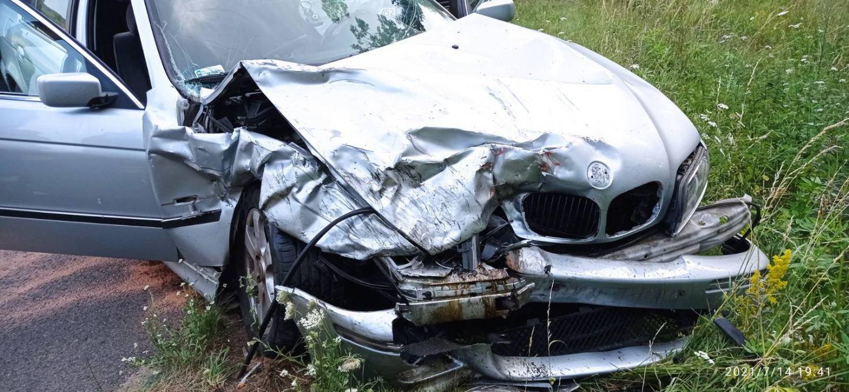 Zderzenie dwóch aut osobowych w Sokolu w gminie Człuchów