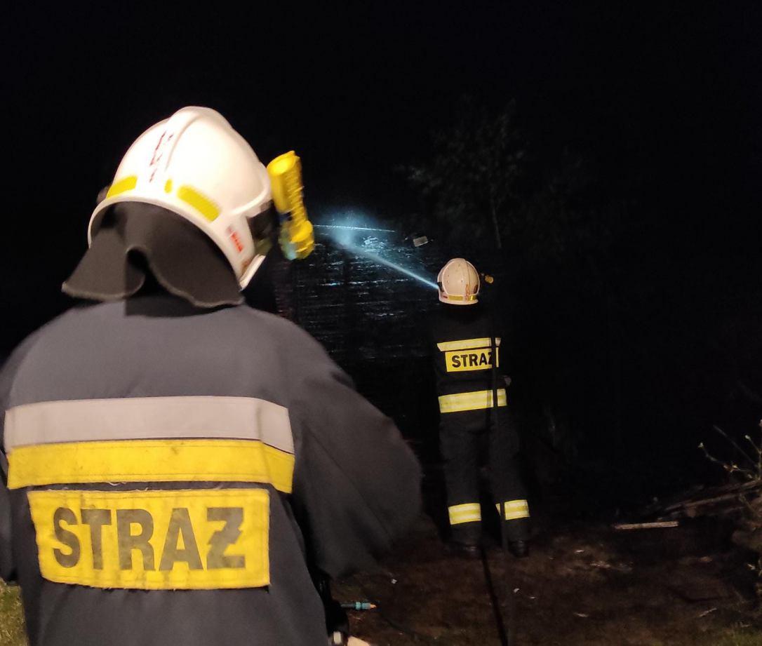 Wracali z pielgrzymki i ugasili pożar. Strażacy ochotnicy z Sępólna udowodnili, że służba trwa 24 godziny na dobę FOTO