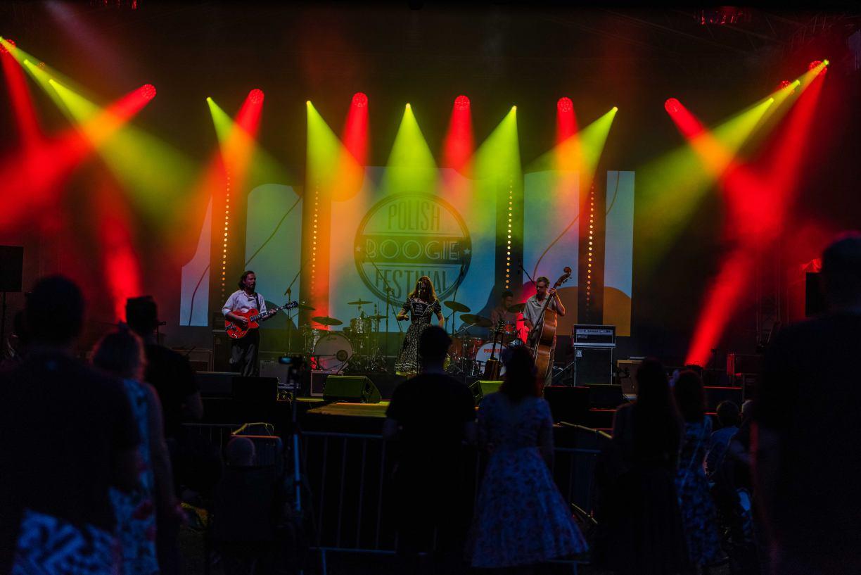 &bdquoPolish Boogie Festiwal w Człuchowie. Zobacz, co na scenie i poza nią działo się w piątek FOTO