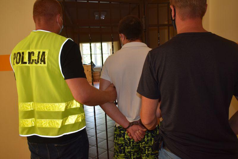 Na terenie gminy Chojnice jeden Ukrainiec ciężko pobił drugiego. 29-letni sprawca został aresztowany na dwa miesiące
