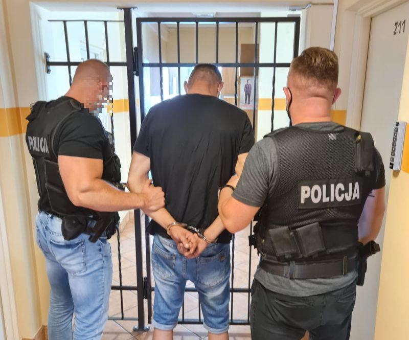 Był przesłuchiwany w Gdańsku w sprawie kradzieży katalizatorów. Jak tylko opuścił komisariat, postanowił wyciąć kolejne