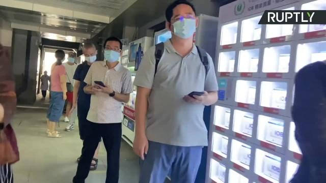 Chiny próbują przeciwdziałać wariantowi Delta. Masowe testy w wielu miastach