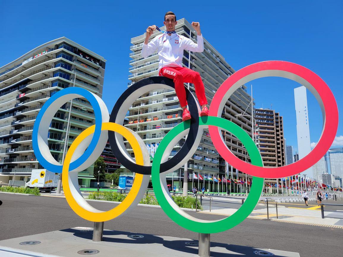 Brązowy medalista Igrzysk Olimpijskich z Tokio Patryk Dobek zostanie Honorowym Obywatelem Gminy Karsin