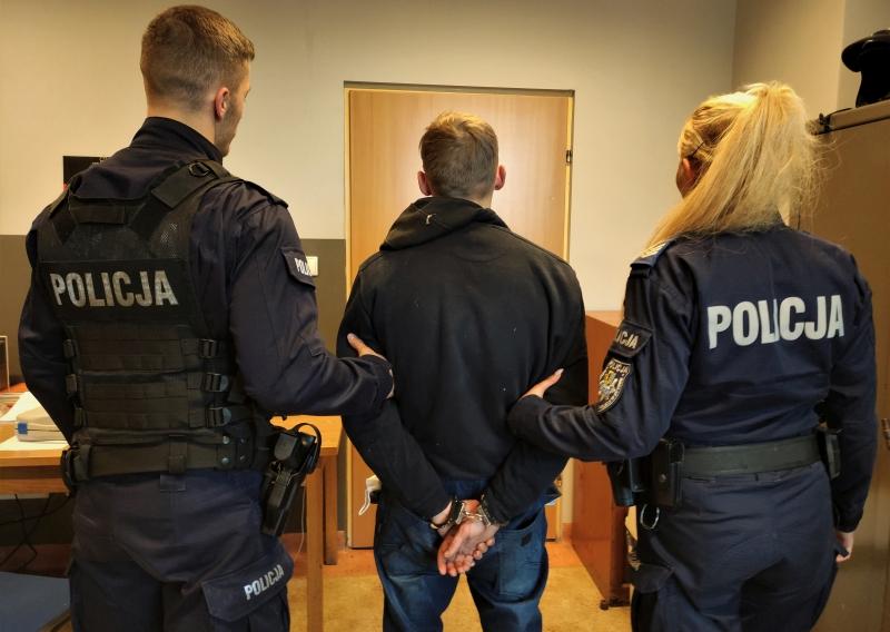 Bytowska policja przyłapała na kradzieży 23-letnego mieszkańca powiatu. Tłumaczył, że wybrał się na grzyby