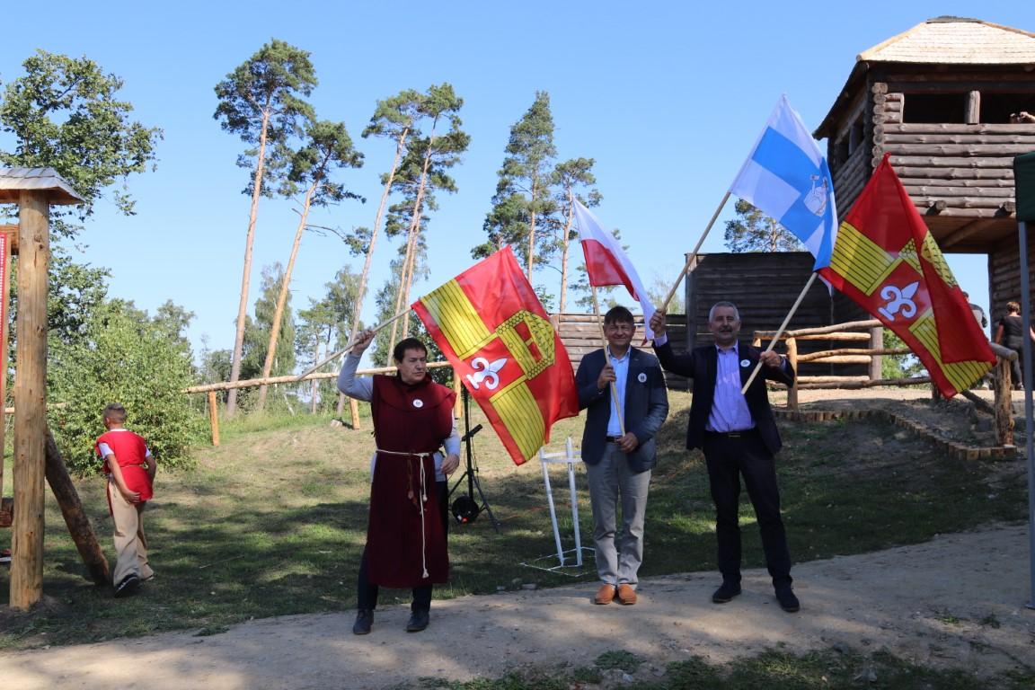 Grodzisko w Raciążu w gminie Tuchola oficjalnie otwarte po odbudowie FOTO, ROZMOWA