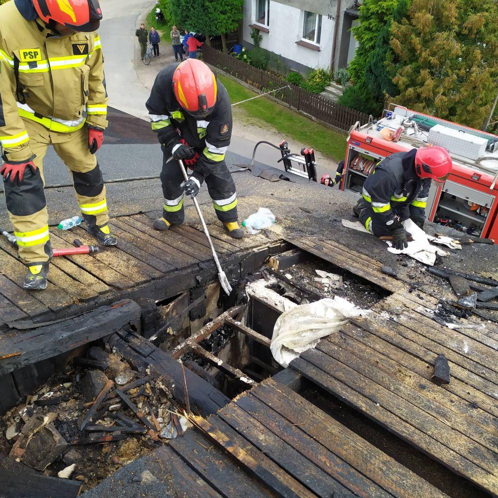 Pożar w budynku wielorodzinnym w Nowej Wsi, w gminie Przechlewo. Nie ma osób poszkodowanych