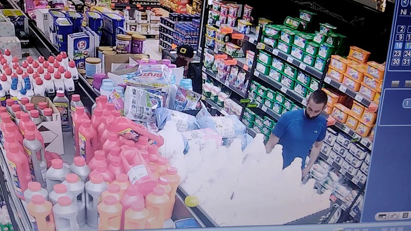 Kościerska policja szuka sprawców kradzieży sklepowych