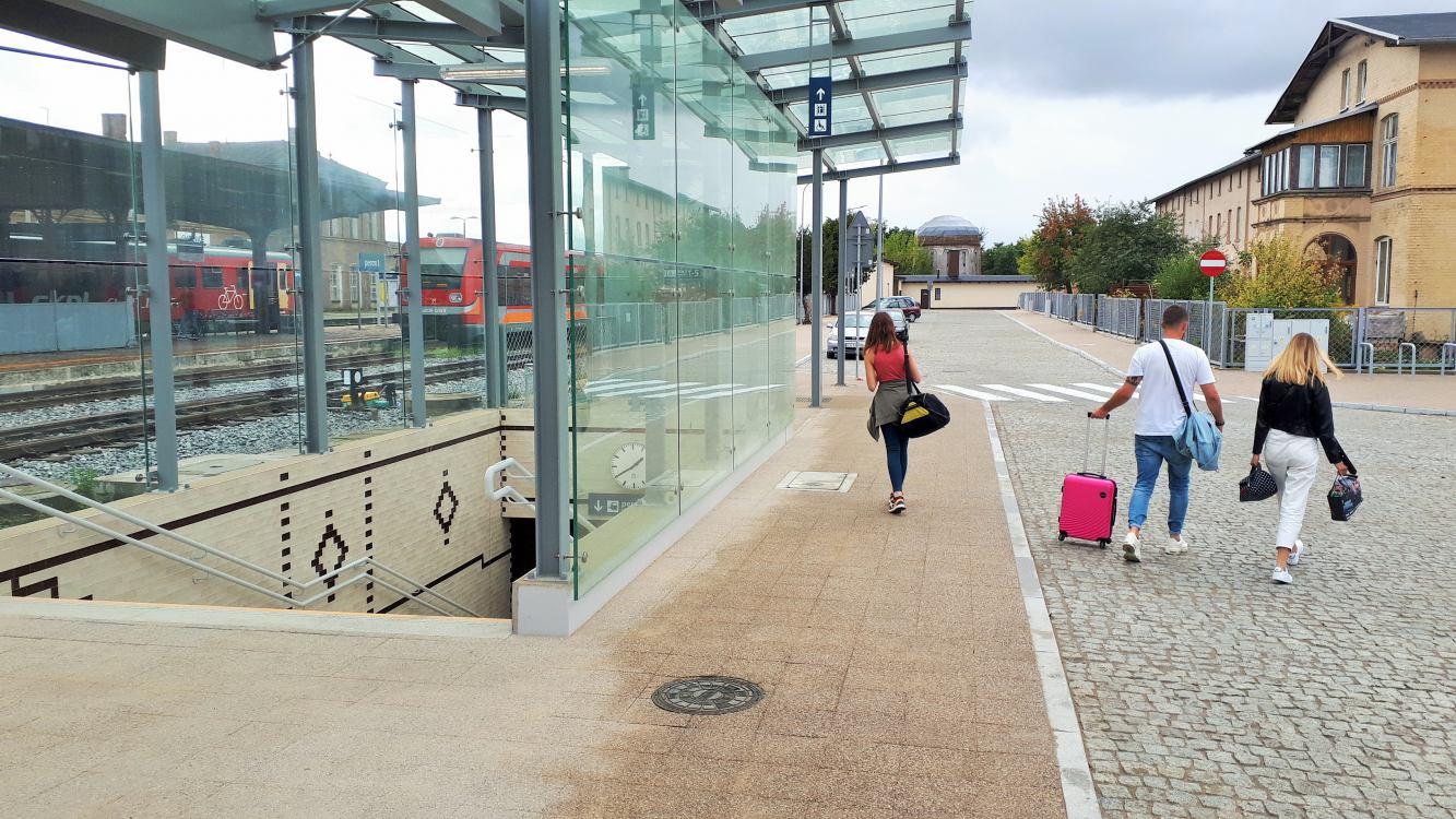 Przejście podziemne łączące chojnicki dworzec PKP z dworcem autobusowym już dostępne dla podróżnych FOTO