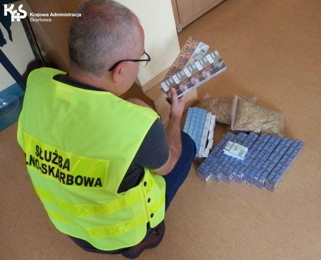Krajowa Administracja Skarbowa przejęła w Człuchowie prawie 3 tys. papierosów i 1,5 kilograma tytoniu