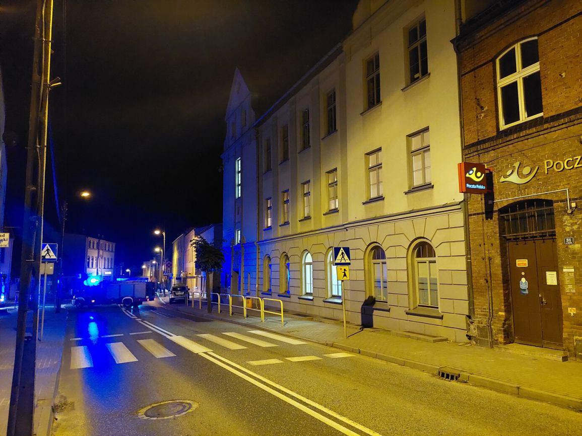Policjanci i strażacy z Sępólna Krajeńskiego szukali sarinu w Specjalnym Ośrodku Szkolno - Wychowawczym FOTO