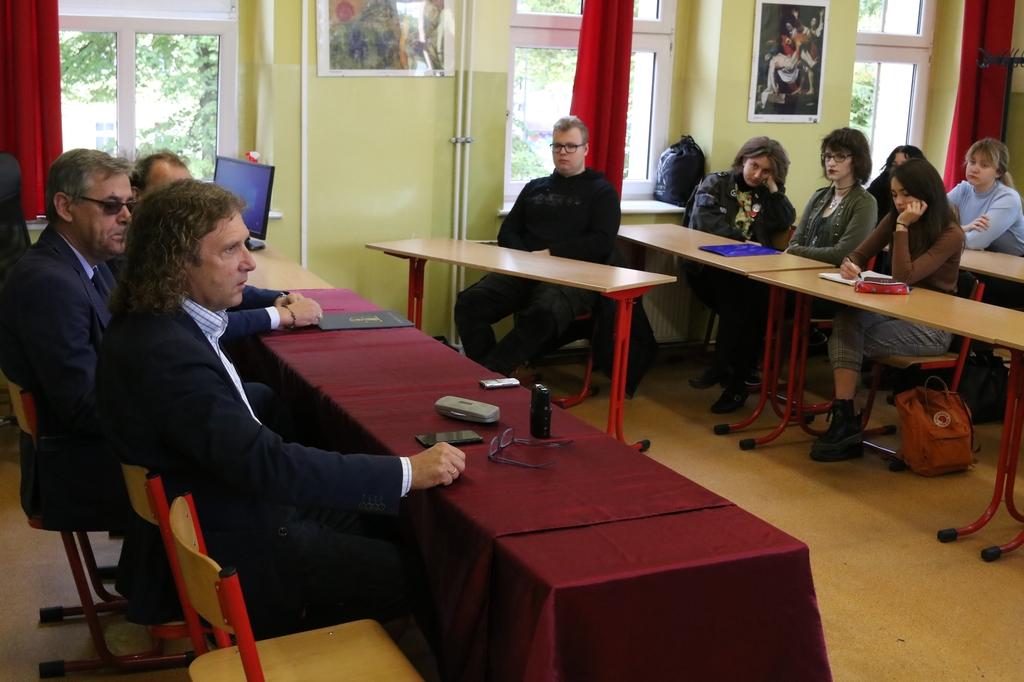Prezydent Sopotu Jacek Karnowski debatował o samorządzie z chojnickimi licealistami FOTO