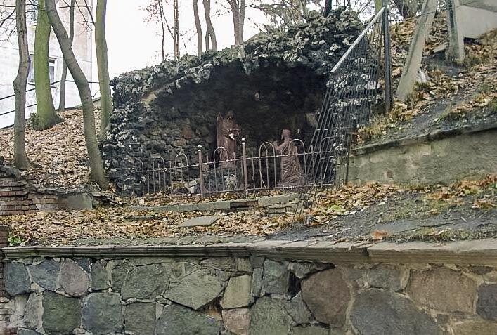 Zabytkowa grota przy ulicy Okrężnej w Chojnicach zostanie odrestaurowana